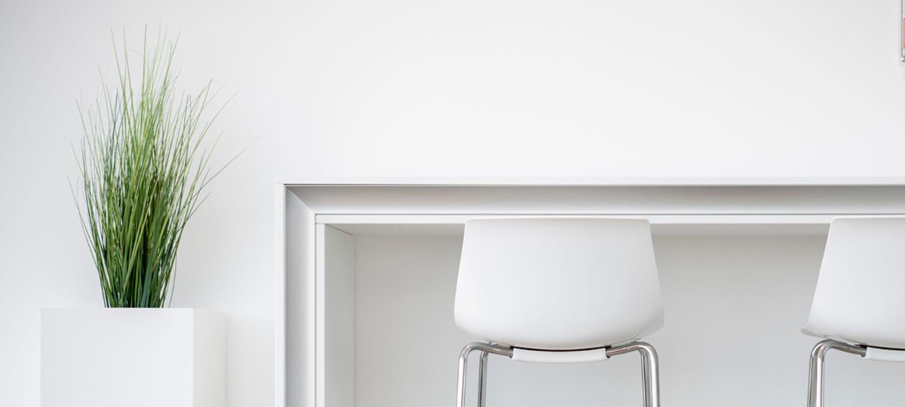 PALMBERG Stühle in Weiß
