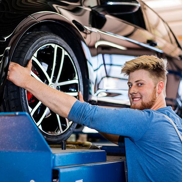 Autohaus Rakel: Reifenwechsel
